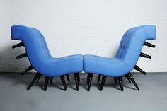Der Stuhl wird von Hand, mit natürlichen Materialien und einzigartigem Design, inspiriert von der Tausendfüßler, gemacht. In einem zweier Satz kann er zu einer klassischen Liege oder Zweisit...