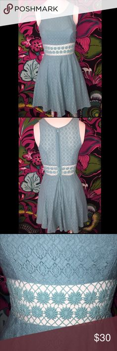 Free People Midriff Cutout Dress EUC Light Teal Color Perfect for Easter, Flower Cutout and Midriff, Size 2, Gently Worn With No Flaws, Length: 30 Inches, Armpit to Armpit: 14.5 Inches Free People Dresses