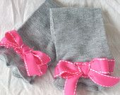 baby leggings!  love the pink bows!