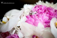 bridal bouquets, orchids and ponies + white and pink http://studios.MeewMeew.com Hawaii, Maui, Oahu, Big Island, Kauai Wedding Photorapher - MeewMeew Studios