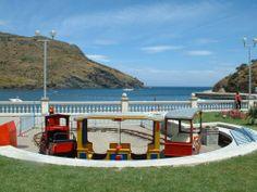 Espagne, le port de Port bou et la plage