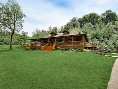 VRBO.com #720146 - Explore, Play, Relax in This Charming Cabin Nestled Away on Steel Creek