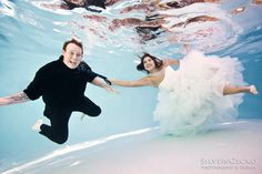 Silver Gecko Photography - Southern California Wedding Photography - BLOG: Underwater Trash the Dress Session