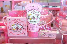 Hello Kitty cosmetics set (●´ω`●) Central Embassy, Bangkok
