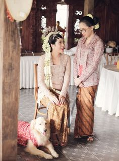 Prettiest lace kebaya ever! Love the kembang ronce as well.. | by Andra Alodita
