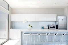 Architecture, Kitchen Cabinet White Vases Bar Stool Refrigerator Stainless Faucet Oven Granite Tile House Idea Beautiful Modern Camps Bay Interior Homes Designs Ideas Spaces Designing Houses: Welcoming Two-In-One Guest Home In Camps Bay