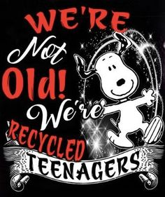 I still love snoopy Snoopy Love, Snoopy And Woodstock, Peanuts Cartoon, Peanuts Snoopy, Birthday Wishes, Birthday Cards, Happy Birthday, Phrase Cute, Snoopy Quotes