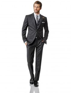 BALDESSARINI look // collection spring/summer 2015 // Look: AMBITIOUS GENT BLACK // Suit: La Guardia, slim fit // Shirt: button-down shirt, shaped fit // tie: striped tie made of silk // pochette made of silk // shoes: double monk shoes // Men's fashion // pure personality  https://www.baldessarini.com/shop/looks/