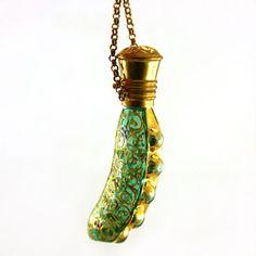 Rare, cosse de petits pois, Chatelaine, verre émaillé, bouteille de parfum pendentif