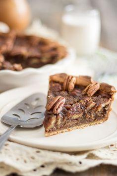 Paleo Pecan Pie | thehealthyfoodie.com