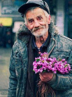 ~♡A man & his flower... the picture that makes my day. Where flower blooms... so does hope... my fav quote ever!♡~