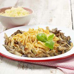 Spaghettis, pesto à la ricotta et couronne de légumes