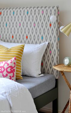 DIY Easy Slipcovered Headboard Tutorial…plus how to extend a low bedhead Girls Headboard, Headboard Cover, Diy Headboards, Slipcovered Headboard, Slipcovers, Reclaimed Wood Headboard, Simple Bed, Diy Interior, Decoration