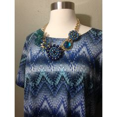 Blue Printed Top 2x Like new condition. MAYBE worn once. Smoke free environment. No stains or tears. 23 inches in Length. Suggested use for short waisted user. (Petite) 2x necklace not included Kim Rogers Tops Tees - Short Sleeve
