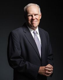John L. Hennessy, president of Stanford, predicts the demise of the university lecture hall