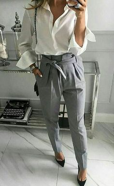 casual outfits for work \ casual outfits ; casual outfits for winter ; casual outfits for work ; casual outfits for women ; casual outfits for school ; casual outfits for winter comfy Summer Business Outfits, Business Casual Outfits For Women, Summer Work Outfits, Casual Work Outfits, Fall Outfits, Women's Casual, Women Business Attire, Business Professional Attire, Office Outfits Women