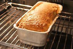 Igår bakade vi ett väldigt gott ljust bröd som vi tänker använda som rostbröd. Brödet blev dessutom väldigt snyggt och det var gott att ät...