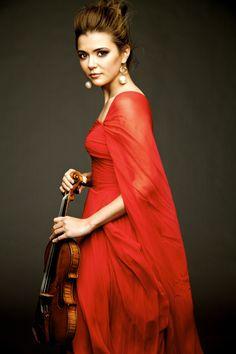 Pyotr Ilyich Tchaikovsky: Violin Concerto in D major   Dmitri Shostakovich: Symphony No.10 in E minor – Karen Gomyo, Detroit Symphony Orchestra, Mark Wigglesworth – Saturday, December 2, 2017, 08:00 PM EST (UTC-5) / Sunday, December 3, 2017, 03:00 AM EET (UTC+2) – Live on Livestream
