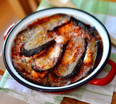 Recette de Gratin d'aubergines, tomates, mozza façon lasagnes