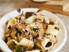 Pasta mit Pilzsauce ist ein Rezept mit frischen Zutaten aus der Kategorie Nudeln. Probieren Sie dieses und weitere Rezepte von EAT SMARTER!
