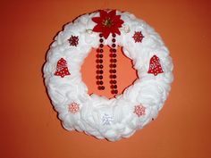 nadychaný věnec, filcový věnec, vánoční věnec, věnec z filcu, papírový věneček