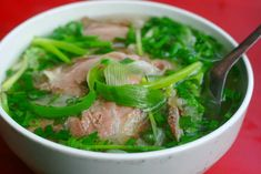 Vietnamese Street Food Guide: Best 10 Street Food Dishes in Vietnam Vietnamese Street Food, Vietnamese Pho, Vietnamese Recipes, Asian Recipes, Ethnic Recipes, Beef Noodle Soup, Beef And Noodles, Rice Noodles, Top 5