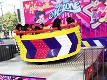 http://www.modern-park-rides.com/kids-amusement-park/     #Indoor_amusement_parks can improve children's observation, improve the external things. In addition, in the shape of spray paint can be sprayed with a variety of patterns, to attract the attention of children.
