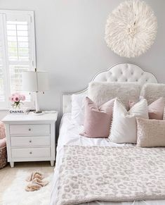 Bedroom Ideas - Most dazzling styling room ideas and examples. For no fuss elegant designs , simply press the link to wade through the web page 9098855058 today. Awesome Bedrooms, Beautiful Bedrooms, Room Ideas Bedroom, Bedroom Decor, Bedroom Inspo, Girls Bedroom Sets, Bedroom Interiors, Bedroom Curtains, Bedroom Furniture