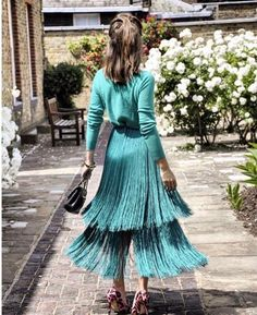 24 Super Ideas For Wedding Guest Outfit Hijab Trendy Dresses, Casual Dresses, Short Dresses, Fashion Dresses, Edgy Style, Mode Style, Fringe Skirt, Evening Outfits, Wedding Party Dresses