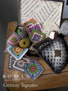 """Crochet Granny Squares..  a coloured granny square wheel, traditional coloured granny square and plain granny square wheel.. one or more said """"REVERSIBLE"""" must login to download free pattern.."""