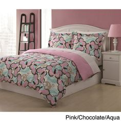 @Overstock.com - Paisley Butterfly 3-piece Comforter Set - This Paisley Butterfly Comforter Set adds fun with adorable butterflies that bring a fresh look to the bedroom. The machine washable set includes a comforter along with two matching pillow shams.  http://www.overstock.com/Bedding-Bath/Paisley-Butterfly-3-piece-Comforter-Set/8372672/product.html?CID=214117 $25.64