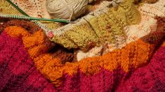 The last of the yellows Fair Isle Knitting, Lace Knitting, You Are Awesome, Really Cool Stuff, Winter Project, Beautiful Patterns, Good Books, Advent Calendar, Rainbow