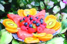 A #healthy and #delicious #fruit bowl to brighten up any day.