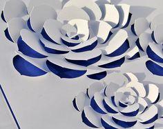 Inspiré par les echeverias, ces succulentes en forme de rosaces, ce tableau sera un élément original dans une décoration graphique et moderne. Un cadeau idéal pour un premier anniversaire de mariage (noces de papier) ou pour faire plaisir à une personne spéciale ! ----------------------
