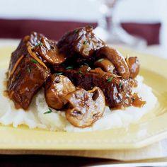 Slow-braised Beef Stew with Mushrooms, crock pot