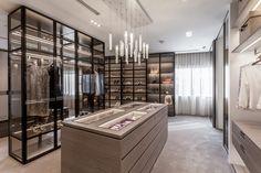 Dressing Room Closet, Dressing Room Design, Walk In Closet Design, Closet Designs, Walk In Closet Inspiration, Luxury Closet, Luxury Wardrobe, Closet Island, Wardrobe Room