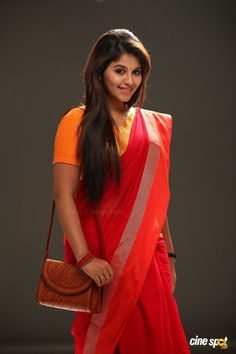 Here u all can c regular updates of all our favorite actress in saree. South Actress, South Indian Actress, Indian Beauty Saree, Indian Sarees, Aunty In Saree, Heroine Photos, Saree Dress, Red Saree, Dress Picture