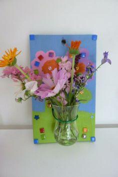 bloemenvaasje voor aan de muur