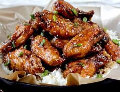 Ingredients 24 chicken wings with skin (approx 3 pounds), rinsed and patted dry Rub 2 tablespoons baking powder teaspoon black pepper teaspoon cayenne pepper 2 tablespoons ground ginger (so… Chinese Chicken Wings, Bbq Chicken Wings, Chicken Wing Recipes, Asian Recipes, Mexican Food Recipes, Poulet General Tao, Keto, Entrees, Stuffed Peppers
