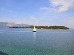 Zicht op Vido vanaf Kerkyra, Corfu