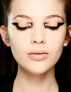 Graphic Eyeliner -- Mary Katrantzou 2013