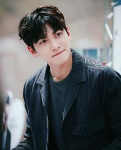❤❤ 지 창 욱 Ji Chang Wook ♡♡ that handsome and sexy look . Ji Chang Wook 2017, Ji Chang Wook Smile, Ji Chang Wook Healer, Ji Chan Wook, Handsome Korean Actors, Handsome Boys, Korean Star, Korean Men, K Pop