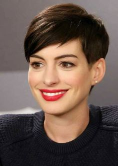 Deep side parts are seriously trending this year already, and this look angles the side part more towards the front for a subtle asymmetrical feel. It works great for sleek and smooth looks like this but can work just as well for a wavy bob or straight lob. #haircutsforthinhair #makehairlookthicker #sidepart #shorthair #southernliving
