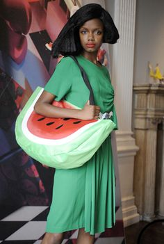 I think I kind of need this. Watermelon Purse, Watermelon Images, I Carried A Watermelon, Watermelon Painting, Classy Outfits, Classy Clothes, Peter Jensen, Cute Handbags, Diy Purse