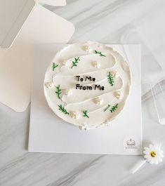 Elegant Birthday Cakes, Pretty Birthday Cakes, Pretty Cakes, Cake Decorating Designs, Cake Decorating Techniques, Bts Cake, Simple Cake Designs, Korean Cake, Pastel Cakes