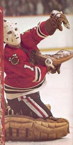 Ice Hockey Teams, Blackhawks Hockey, Hockey Goalie, Hockey Games, Chicago Blackhawks, Nhl, Bernie Parent, Hockey Room, Goalie Mask