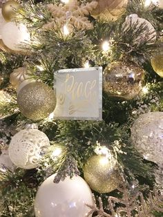 gold, silver, white & burlap Christmas tree! love all things rustic glam