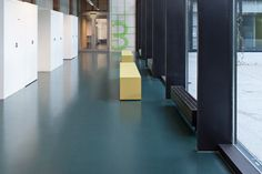 Universitat ZMBP – Tubingen, Germany / Kayar flooring https://www.pinterest.com/artigo_rf/kayar/
