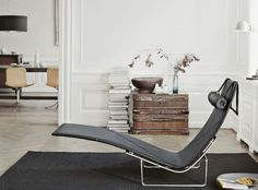 Beautiful and graceful physiques will attract your attention at first signt, the graceful sweeps of its curves allow you strech out on the seat and let fantasies flood your mind.