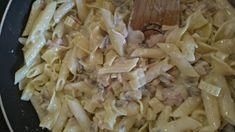 Potrebujete narýchlo niečo ukuchtiť? Tento recept vám nezaberie ani 20minút a pochutí si na ňom naozaj každý! Potrebujeme: ľubovoľné cestoviny cesnak cca dva strúčiky olej olivový šampiňóny 200g jemne strúhaný parmezán 50g sladká smotana 100g šunkový salám Postup práce: Na kocky nakrájaný šunkový salám si spolu s prelisovaným cesnakom jemne opražíme na olivovom oleji. Pridáme šampiňóny a pražíme ďalších cca Cabbage, Rice, Meat, Chicken, Vegetables, Food, Essen, Cabbages, Vegetable Recipes